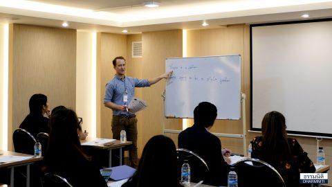 กลุ่มบริษัท ธรรมนิติ จำกัด (มหาชน) จัดคอร์สอบรมภาษาอังกฤษให้แก่ผู้บริหารและพนักงานโดยอาจารย์ผู้เชี่ยวชาญ