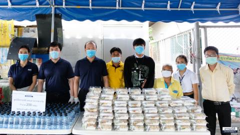 มูลนิธิธรรมนิติ ร่วมกับ บมจ. ยูเนี่ยน ปิโตรเคมีคอล และ บจ. Solar Park ส่งมอบอาหารกลางวัน (ครั้งที่ 18) ให้แก่ชุมชนบ้านพักรถไฟก่อสร้าง